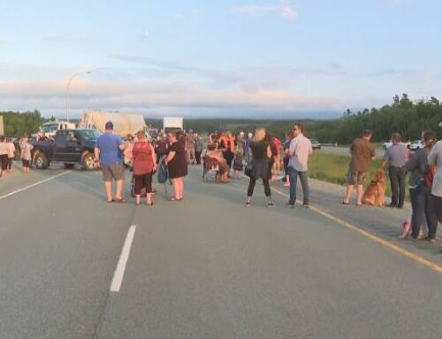 Protesters continue to shut down N.S.-N.B. border over modified self-isolation rules